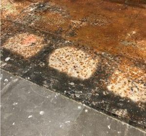 IOBAC - Corrosion on raised metal access floor